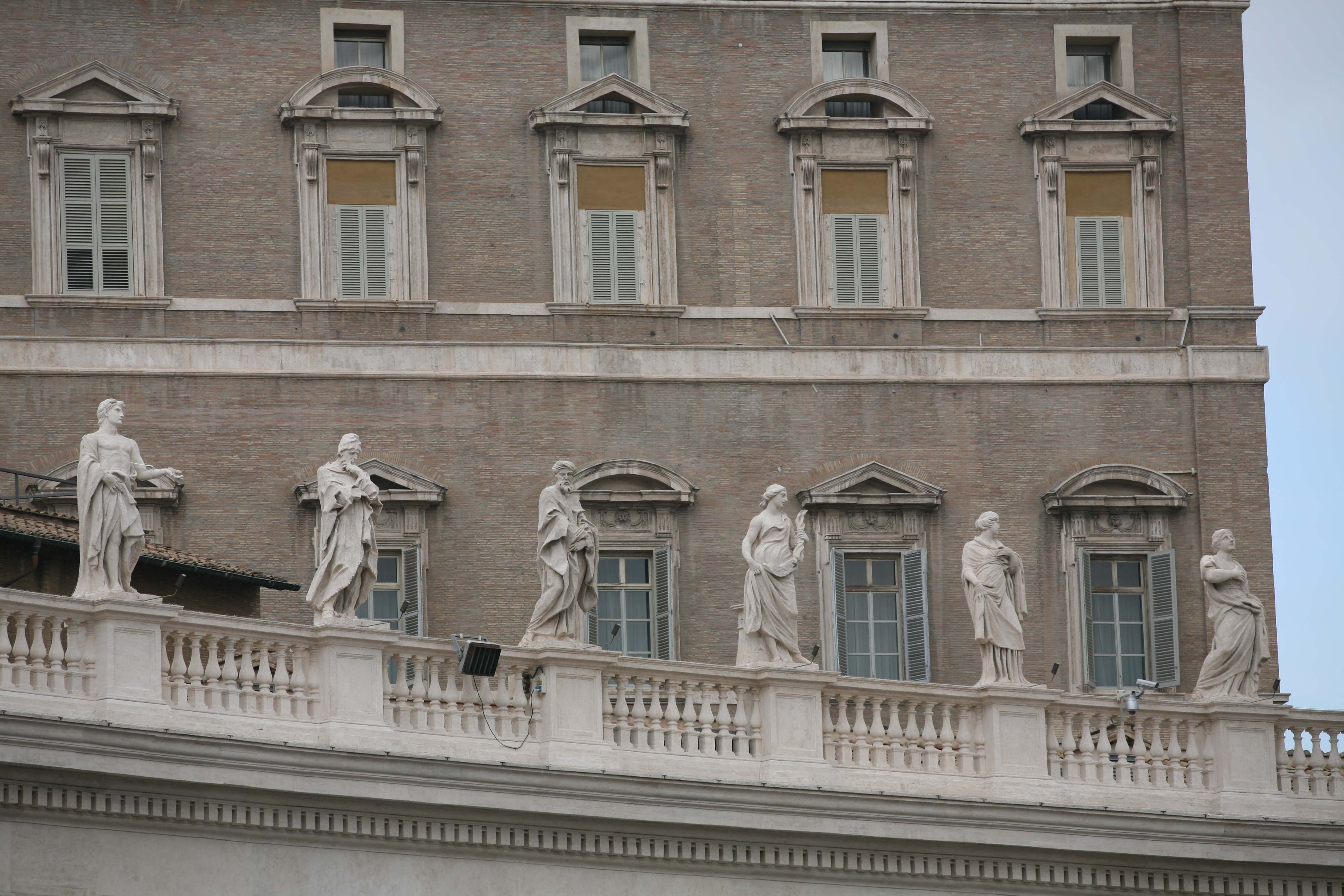 st malchus colonnade saints