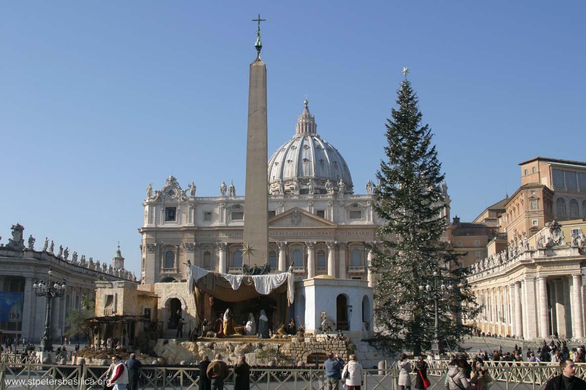 Nativity scene & Christmas Tree 2006